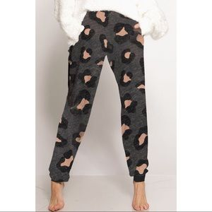 LAST ONE! Leopard Print Joggers with Pockets